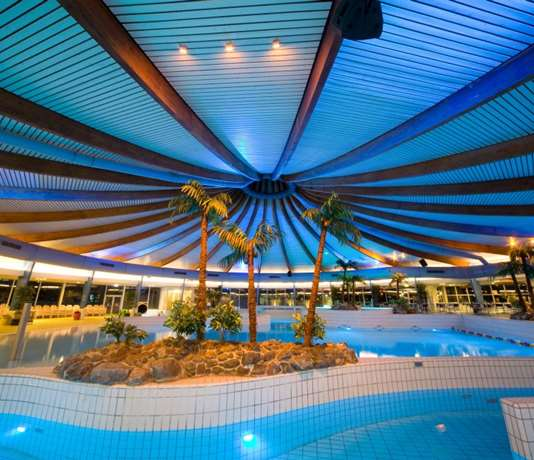 Swimming Pool 'De Blauwe Golf'